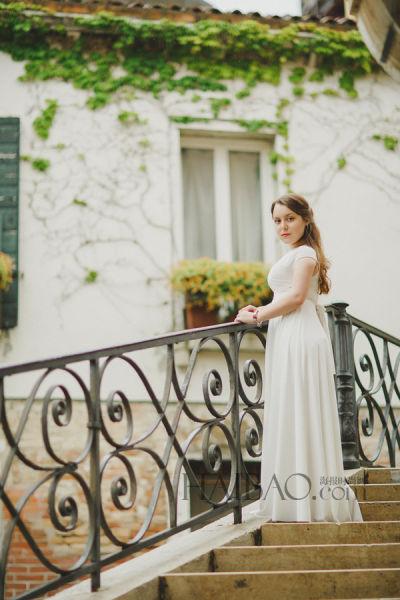 婚纱照外景拍摄地意大利威尼斯水城的美丽新娘