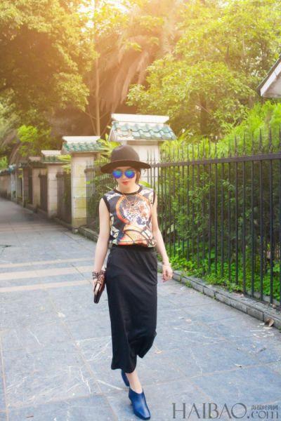 组图:复古时尚搭配埃及古风黑色图案连身裙