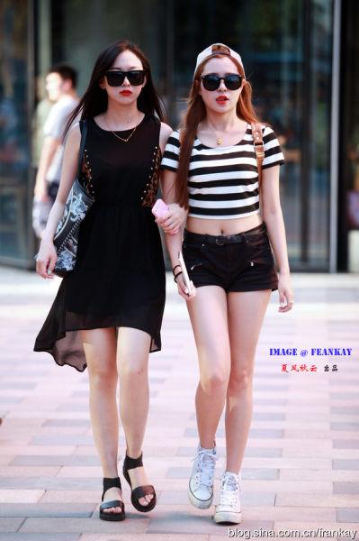 组图:街拍北京三里屯魅力四射的清凉时尚潮女