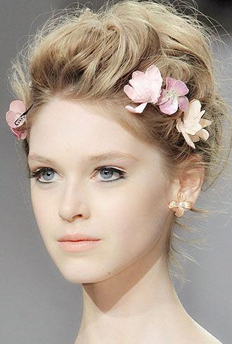 时尚秀场的新娘吸睛发型打造新人的唯美造型