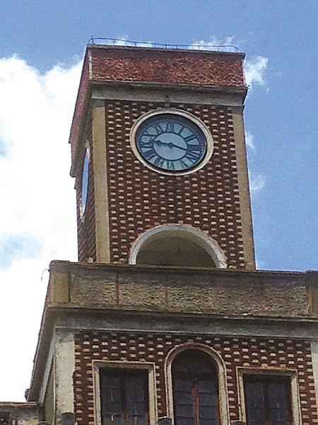 鼓楼大钟南侧钟面停止在9时20分。(蔡星 王伊婧 摄)