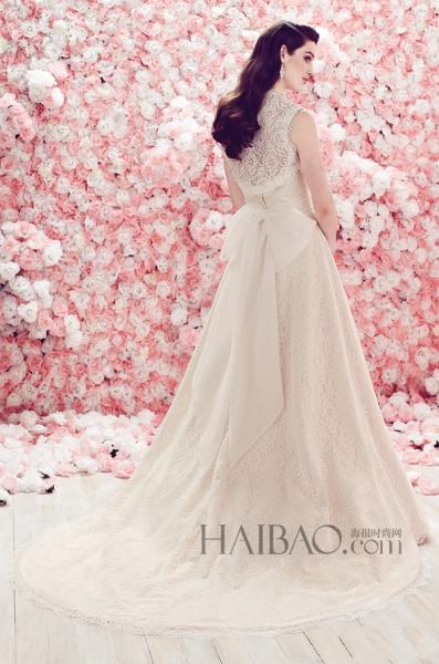 精致细节嫁衣打造古典主义的优雅浪漫新娘