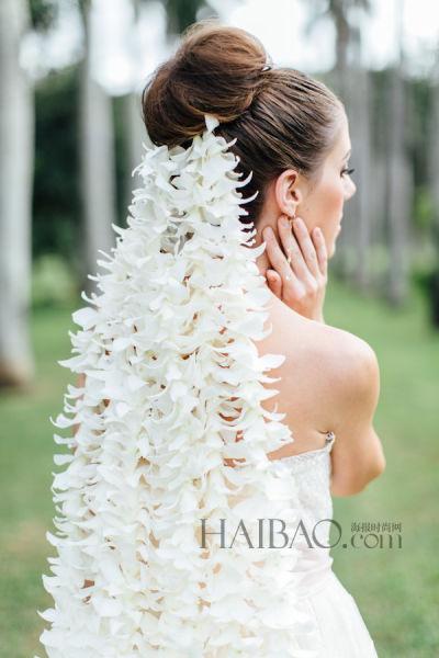 创意花瓣新娘头纱带来夏日婚礼上的美丽惊喜