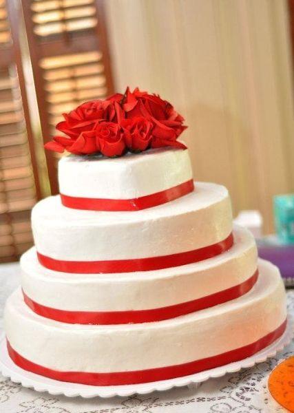 主题色婚礼蛋糕 热情红色点燃夏日如火般幸福