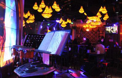 五月音乐酒吧