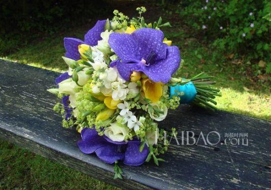 花装点出不一样的夏季新娘捧花美得动人心弦