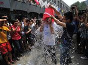 北京中关村千人参加冰桶挑战
