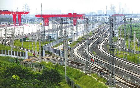 新铁路宁波货运北站。 (胡建华 摄)