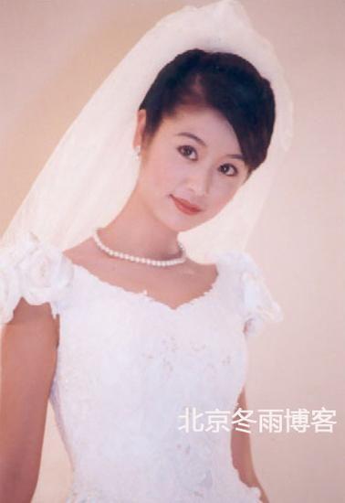林心如15年前婚纱照曝光4款清纯范儿婚纱推荐