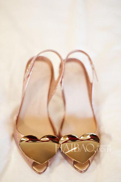 优雅舒适与个性化兼具的夏季新娘鞋(组图)