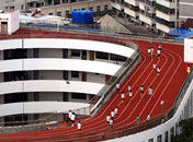 浙江一所小学建成中国首个空中操场