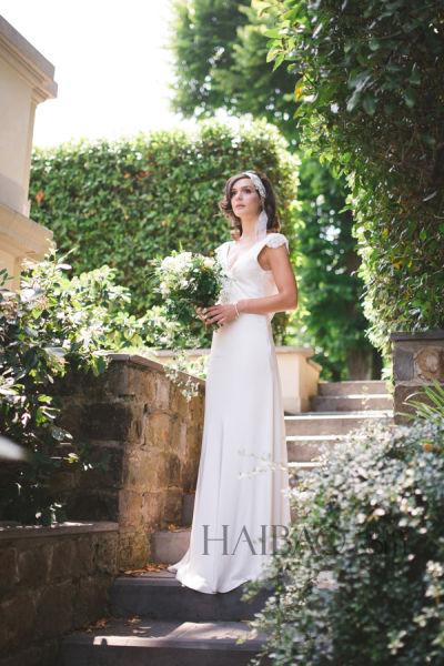 浪漫蕾丝薄纱在阳光美景中打造新娘绝代风华