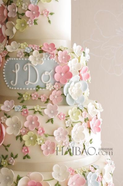 浪漫创意蛋糕为新人们带来甜蜜幸福结婚礼物