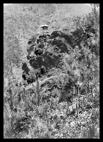 1914年的涌见岩石塔