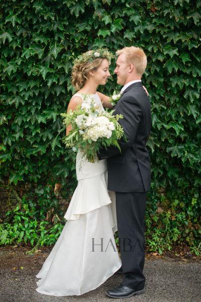 异国户外花园婚礼绿色清新中的自然感仪式