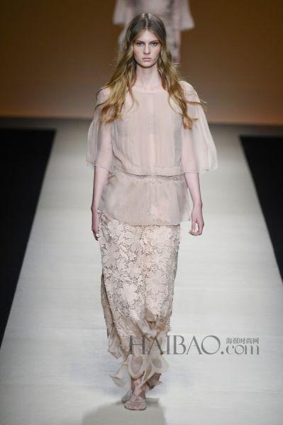 2015米兰时装周雪纺薄纱带来飘逸灵动的嫁衣