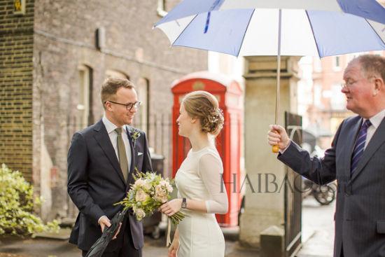 英国伦敦的城市婚礼温馨仪式中感受都市情怀