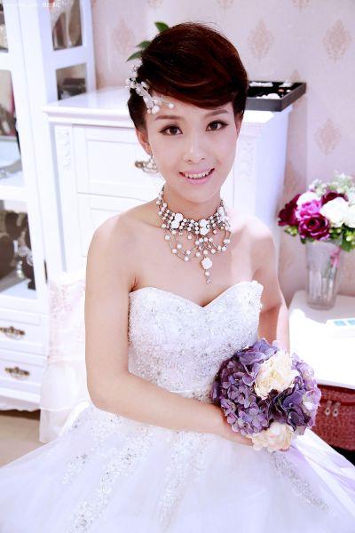 长发及腰未必美 揭短发新娘拍婚纱照完美攻略图片