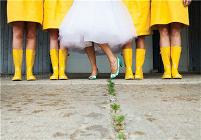婚礼遇雨不用再担心创意花样雨伞来救场