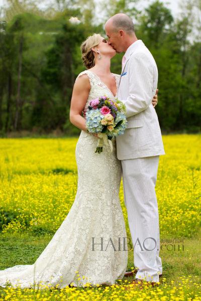 一场救命的婚礼新人因为结婚幸运地躲过龙卷风