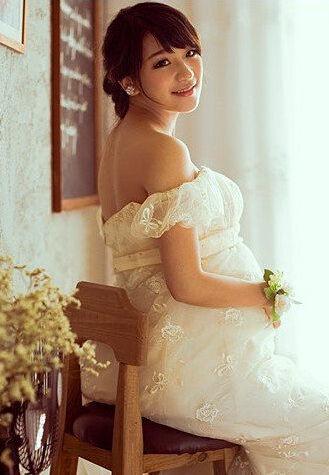 孕新娘拍婚纱照技巧揭秘可选择蕾丝款式婚纱