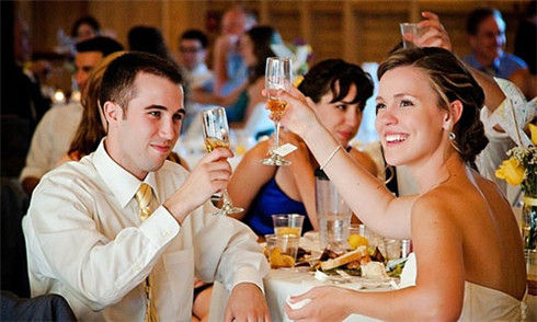 甬城90后新人在婚宴上需掌握的敬酒知识