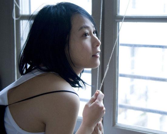 大龄女星刘若英白嫩依旧驻颜护肤经大公开