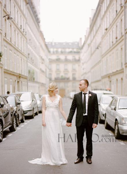 埃菲尔铁塔下举办法式婚礼