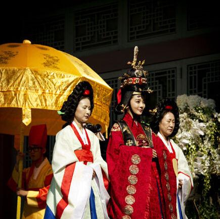 蔡琳高梓淇举办韩式婚礼华丽富贵犹如宫廷剧
