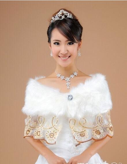冬季新娘必看披肩与婚纱礼服的穿戴法集锦