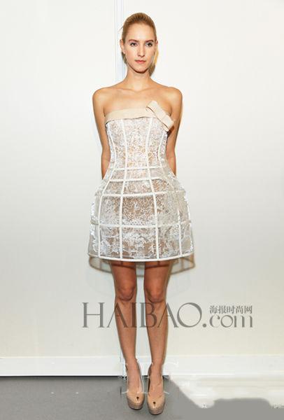 从欧式贵族经典优雅到现代梦幻婚纱设计