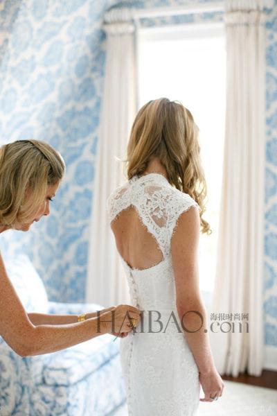 异国真人户外婚礼新娘身着婚纱幸福出嫁