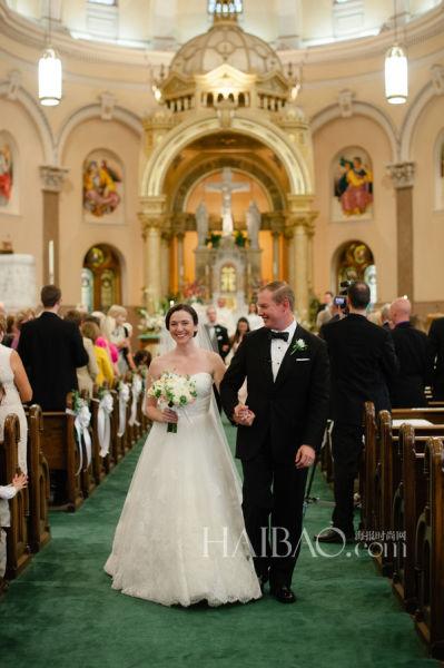 高尔夫球场婚礼新娘简约造型中的平淡幸福时光