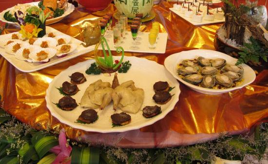 三招教你选择大日子琳琅满目的婚宴菜式(组图)