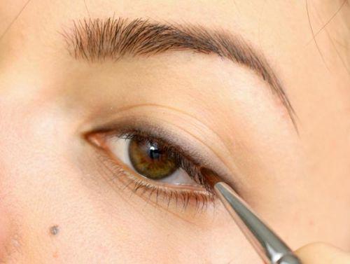 化妆包年末大清洁盘点美妆用品的保质期
