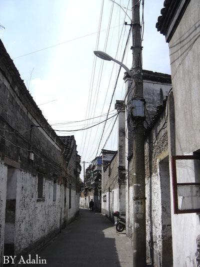 """桂井巷,旧时也称""""桂花井""""。桂花井包括了桂井巷和桂井街,这是两条平行的街巷。"""
