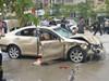 轿车撞人群致死伤